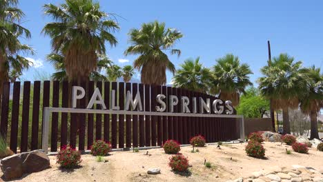 Establishing-shot-of-the-welcome-to-Palm-Springs-sign-California
