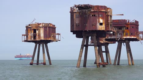The-Maunsell-Forts-old-World-War-two-structures-stand-rusting-on-stilts-in-the-Thames-River-Estuary-in-England-4