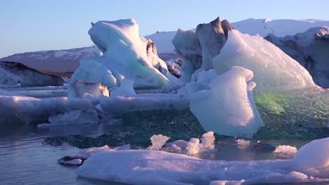 Icebergs-in-the-frozen-Arctic-Jokulsarlon-glacier-lagoon-in-Iceland-suggesting-global-warming-4