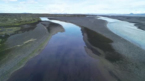 Aerial-of-the-outwash-pattern-and-flow-of-a-glacial-river-in-a-remote-highland-region-of-Iceland-7