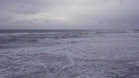 Dark-waves-roll-in-on-this-moody-and-mystical-ocean-scene-during-a-storm-on-the-Atlantic