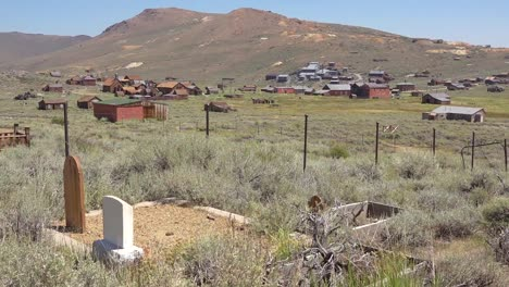 A-gravestone-of-a-pioneer-settler-in-Bodie-California-from-the-gold-rush-western-era-1