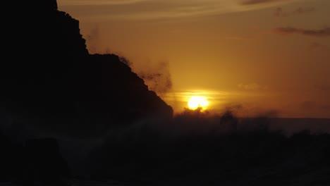 Extreme-slow-motion-of-beautiful-ocean-waves-crashing-into-Kaiaka-Rock-Molokai-Hawaii