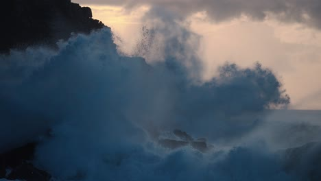 Extreme-slow-motion-of-beautiful-ocean-waves-crashing-into-Kaiaka-Rock-Molokai-Hawaii-2