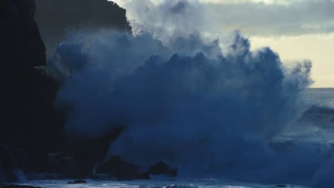 Extreme-slow-motion-of-beautiful-ocean-waves-crashing-into-Kaiaka-Rock-Molokai-Hawaii-9