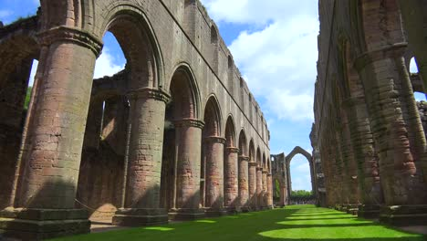 Fountains-abbey-abandoned-cathedral-with-pillars-1