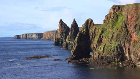 Establishing-shot-of-the-beautiful-Duncansby-Head-sea-stacks-in-Northern-Scotland-2