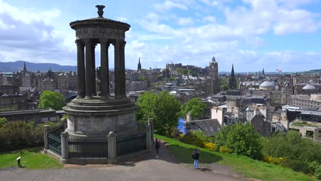 An-establishing-shot-of-the-Edinburgh-Scotland-skyline-