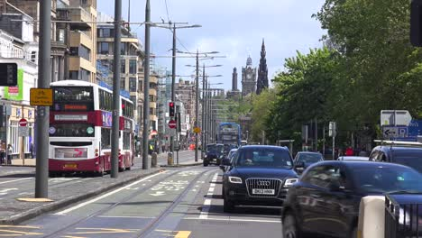 Busses-and-cars-passing-on-the-streets-of-the-Edinburgh-Scotland