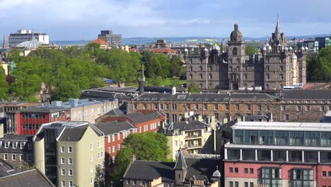 An-establishing-shot-of-the-Edinburgh-Scotland-skyline-2