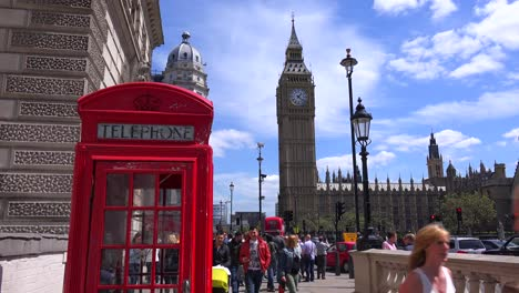 An-iconic-red-telephone-booth-in-front-of-Big-Ben-and-Houses-Of-Parliament-in-London-England-1