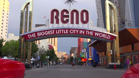 Classic-cars-drive-under-the-Reno-arch
