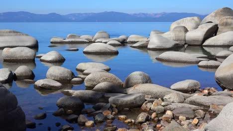 A-beautiful-establishing-shot-of-Lake-Tahoe-1