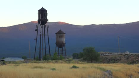 An-abandoned-factory-mill-and-water-towers-in-Northern-California