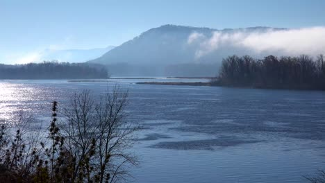 Fog-rises-along-the-bluffs-of-the-Mississippi-River-on-the-Iowa-Wisconsin-border-1