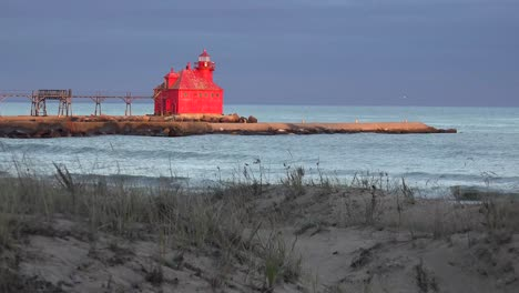 The-beautiful-Sturgeon-Bay-lighthouse-in-Door-County-Wisconsin-glows-red-in-the-twilight-1