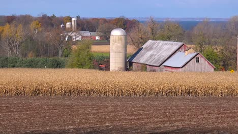 Wide-shot-of-Wisconsin-farms-and-barns-farms-of-Door-County