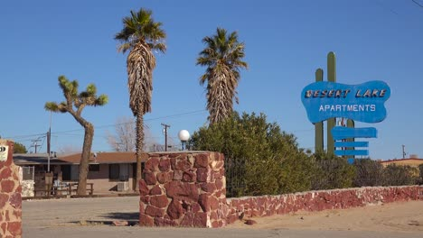 An-old-desert-roadside-motel-with-palms
