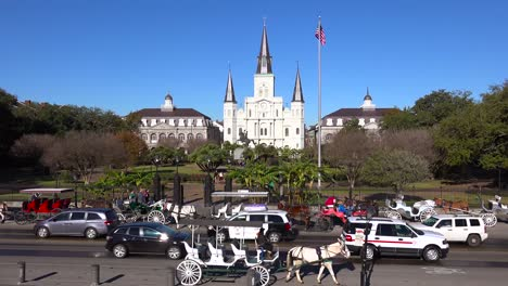 Beautiful-Jackson-Square-with-traffic-in-new-Orleans-Louisiana