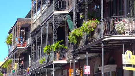 Metal-balconies-and-hanging-plants-in-the-French-Quarter-New-Orleans