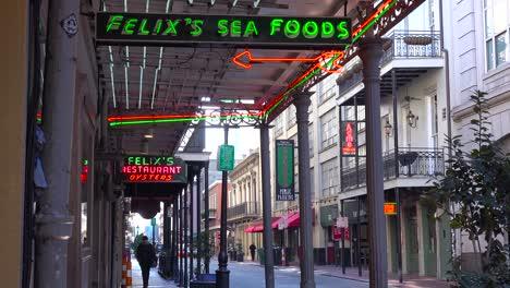 Establishing-shot-of-French-Quarter-New-Orleans-day