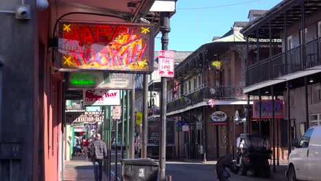 Establishing-shot-of-French-Quarter-New-Orleans-day-2