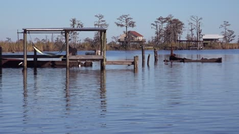 Scenes-along-the-bayou-in-Louisiana-1