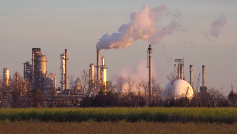 An-aluminum-processing-plant-belches-smoke-into-the-sky