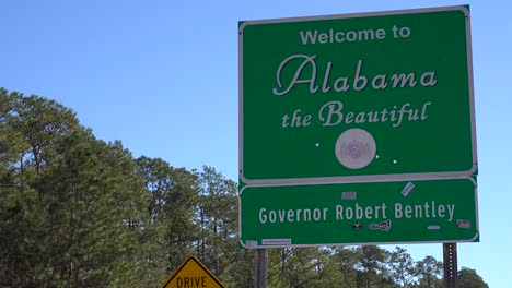 A-sign-welcomes-travelers-to-Alabama