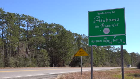 A-sign-welcomes-travelers-to-Alabama-1