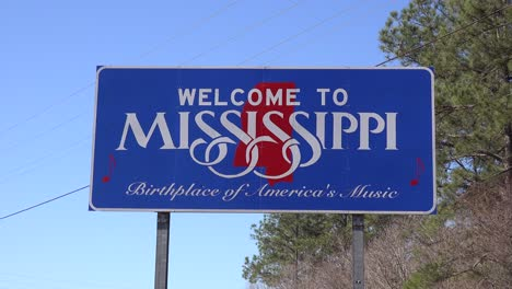 A-sign-welcomes-travelers-to-Mississippi-1