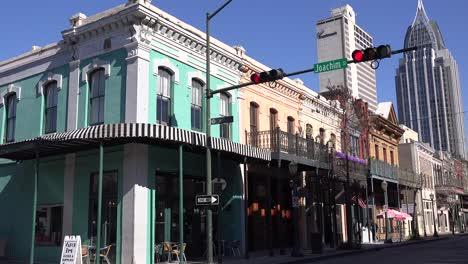 A-downtown-establishing-shot-of-Mobile-Alabama-1