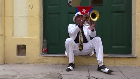 A-jazz-musician-plays-a-trumpet-on-the-streets-of-Havana-Cuba