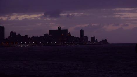 Havana-Cuba-at-night