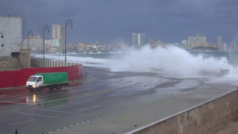 The-waterfront-promenade-of-the-Malecon-in-Havana-Cuba-takes-a-beating-during-a-huge-winter-storm-2