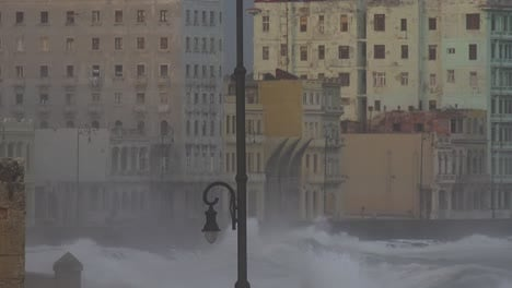 The-waterfront-promenade-of-the-Malecon-in-Havana-Cuba-takes-a-beating-during-a-huge-winter-storm-5