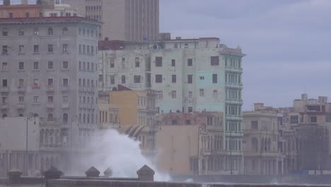 The-waterfront-promenade-of-the-Malecon-in-Havana-Cuba-takes-a-beating-during-a-huge-winter-storm-9