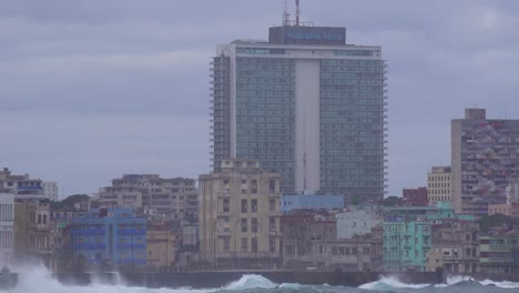 The-waterfront-promenade-of-the-Malecon-in-Havana-Cuba-takes-a-beating-during-a-huge-winter-storm-10