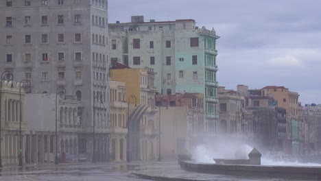 The-waterfront-promenade-of-the-Malecon-in-Havana-Cuba-takes-a-beating-during-a-huge-winter-storm-12