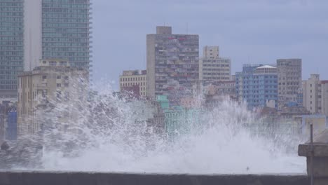 The-waterfront-promenade-of-the-Malecon-in-Havana-Cuba-takes-a-beating-during-a-huge-winter-storm-14