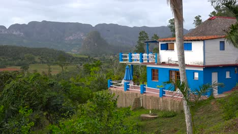 An-attractive-home-or-estate-in-the-jungles-of-Cuba