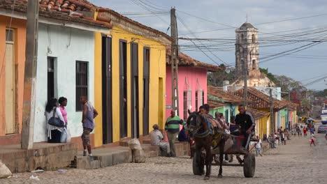 Horse-carts-make-their-way-down-the-cobblestone-streets-of-Trinidad-Cuba