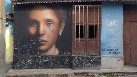 Una-Hermosa-Foto-De-Los-Edificios-Y-Las-Calles-Adoquinadas-De-Trinidad-Cuba-Con-Tiendas-Artísticas-Y-Pintadas