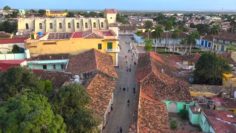 Una-Hermosa-Vista-Del-Amanecer-O-El-Atardecer-De-La-Pintoresca-Y-Encantadora-Ciudad-De-Trinidad-Cuba