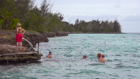 Tourists-swim-in-the-Bay-Of-Pigs-Cuba