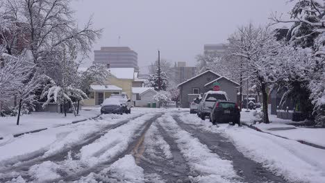A-neighborhood-is-snowed-in-during-a-major-winter-storm-2