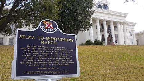 Una-Placa-Fuera-Del-Edificio-Del-Estado-De-Montgomery-Alabama-Honra-La-Marcha-De-Selma-A-Montgomery