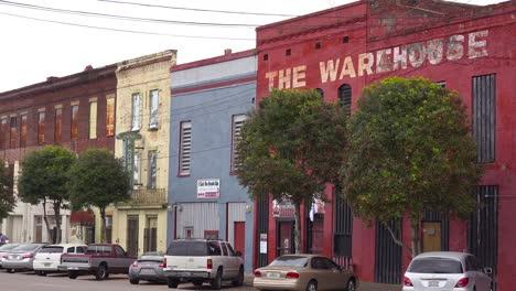 Rundown-storefronts-adorn-the-riverfront-in-Selma-Alabama