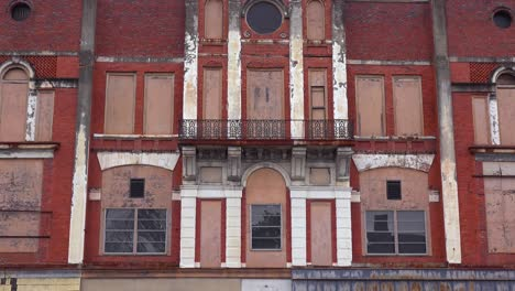 Abandoned-storefronts-in-the-rundown-downtown-of-Selma-Alabama