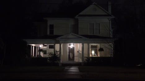 An-attractive-old-American-house-at-night